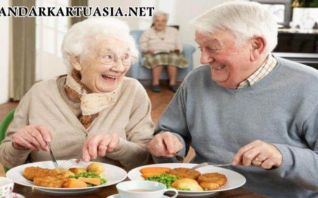 Makanan yang Baik untuk Orang Usia 50 Tahun