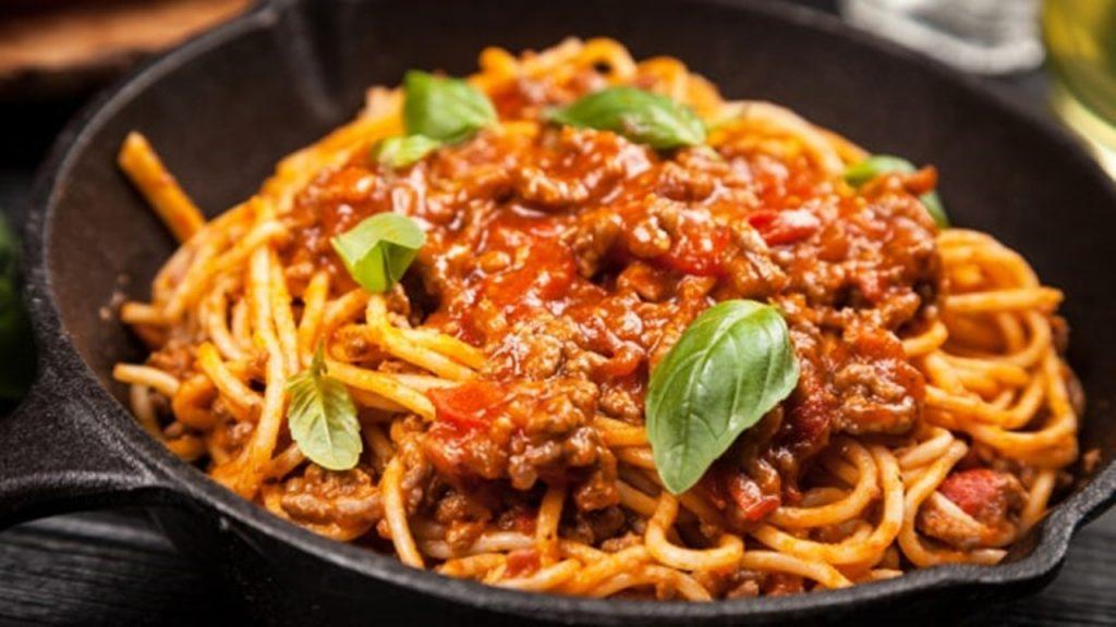 Hindari 5 Makanan Ini untuk Hilangkan Perut Buncit